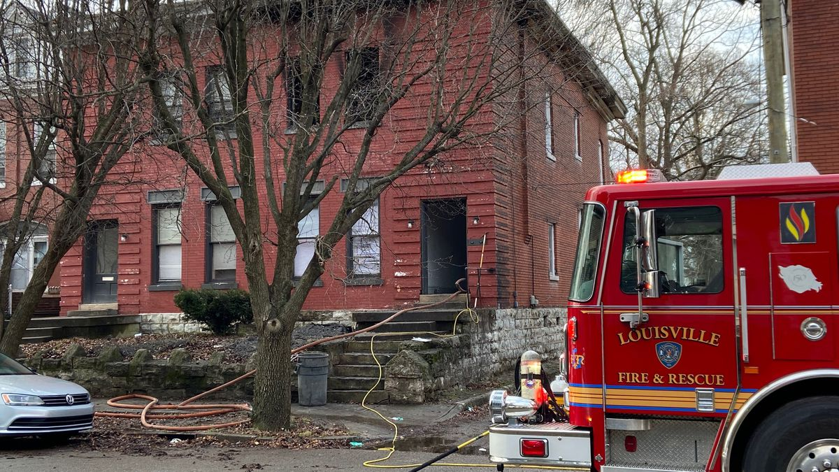 1 dead in early-morning apartment fire in Old Louisville