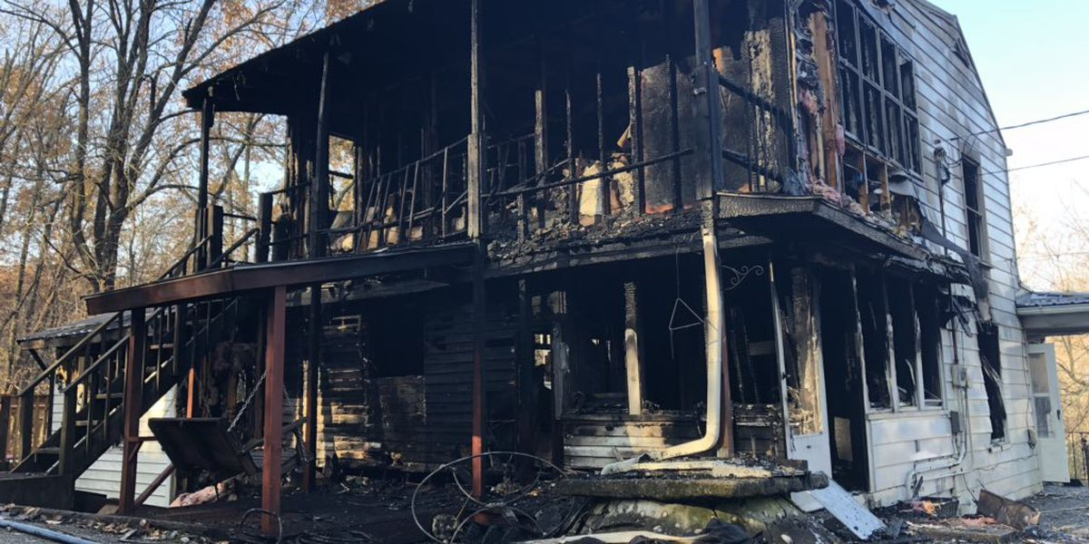Thanksgiving Day fire destroys home in PRP