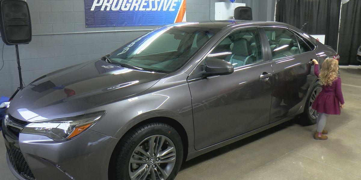 Local veteran family receives free car as the holiday season begins