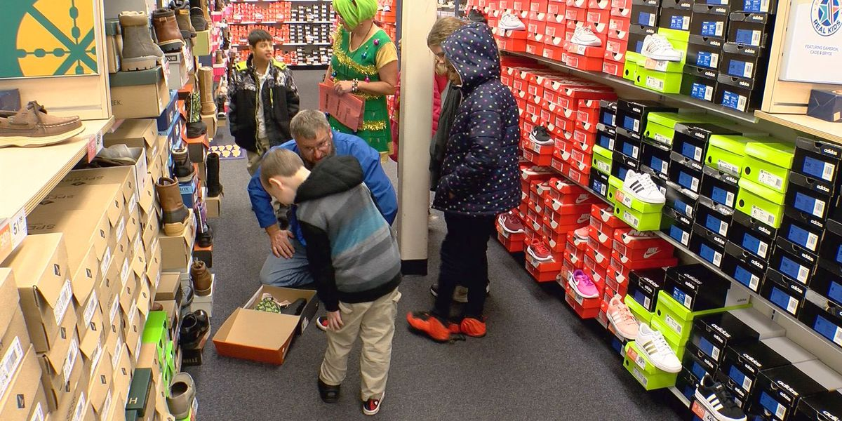 Dixie Elementary, Rack Room Shoes give students new kicks