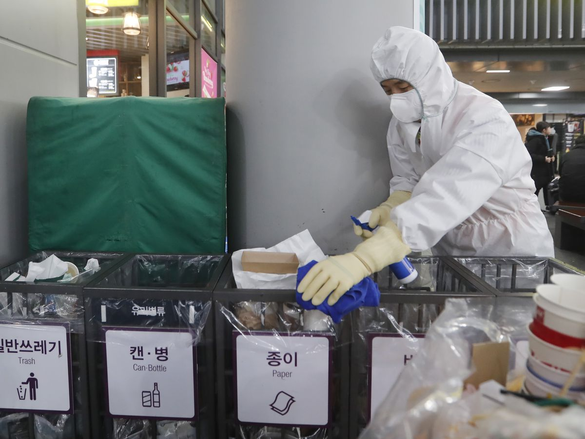 Hong Kong declares virus emergency, 2-week school closure