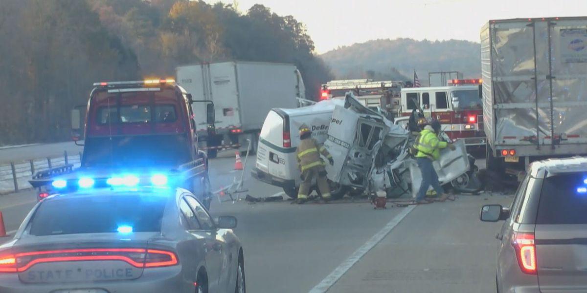 1 injured in crash on I-65 near Lebanon Junction