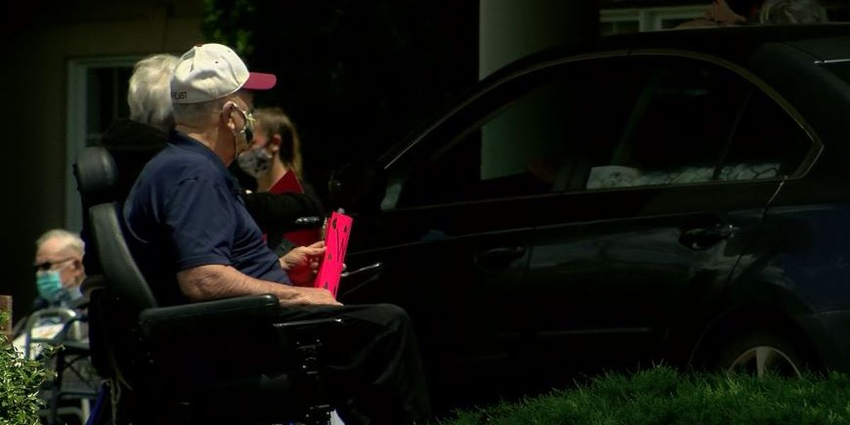 Floyds Knobs nursing home residents treated to parade from family & first responders