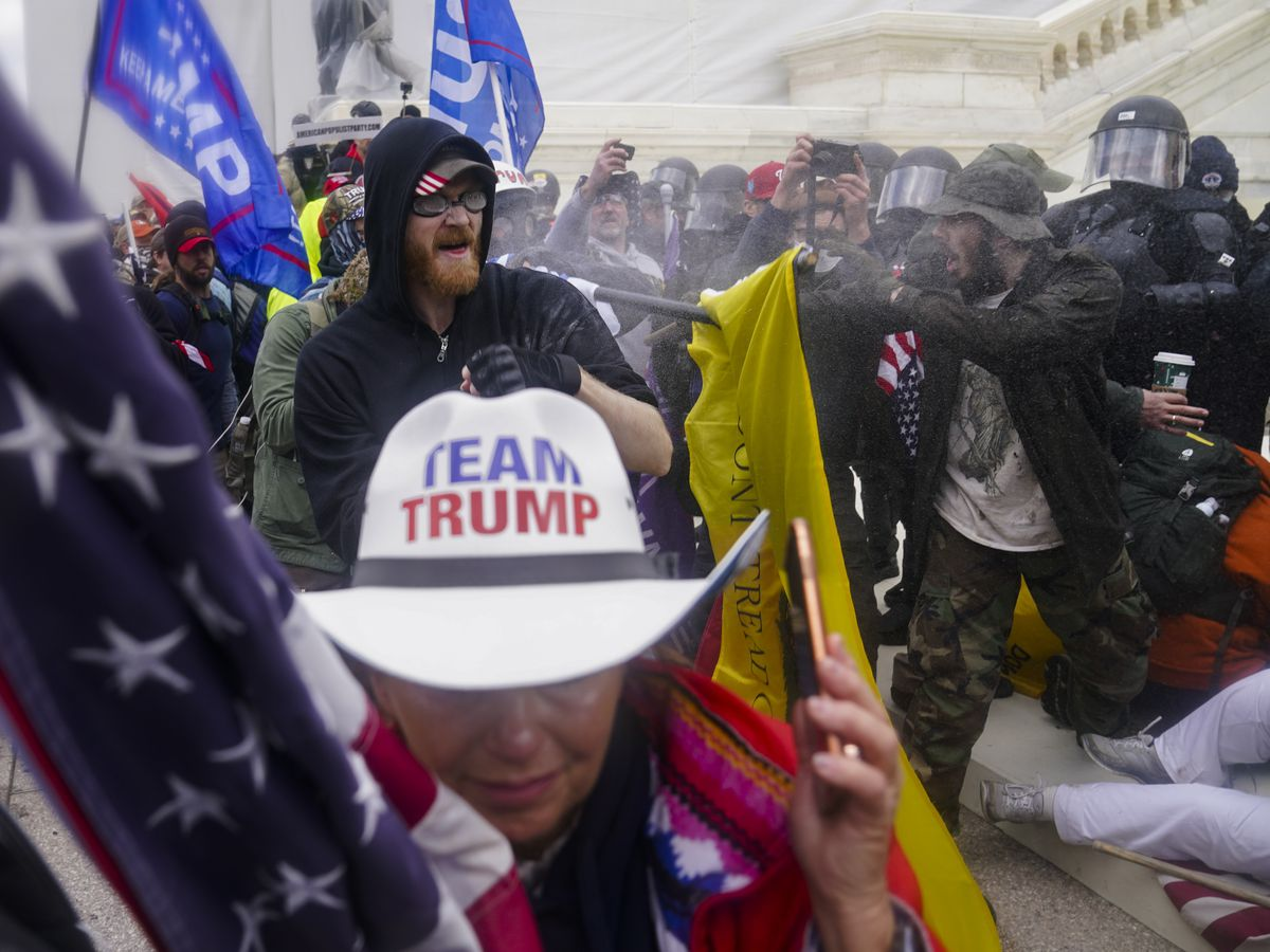 Oath Keeper is 1st suspect to plead guilty in Capitol riot