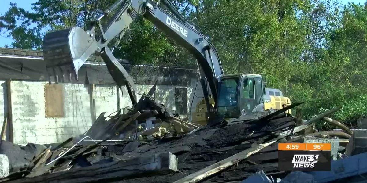 Crews begin demolition, work on New Albany Shoreline Project to improve riverfront