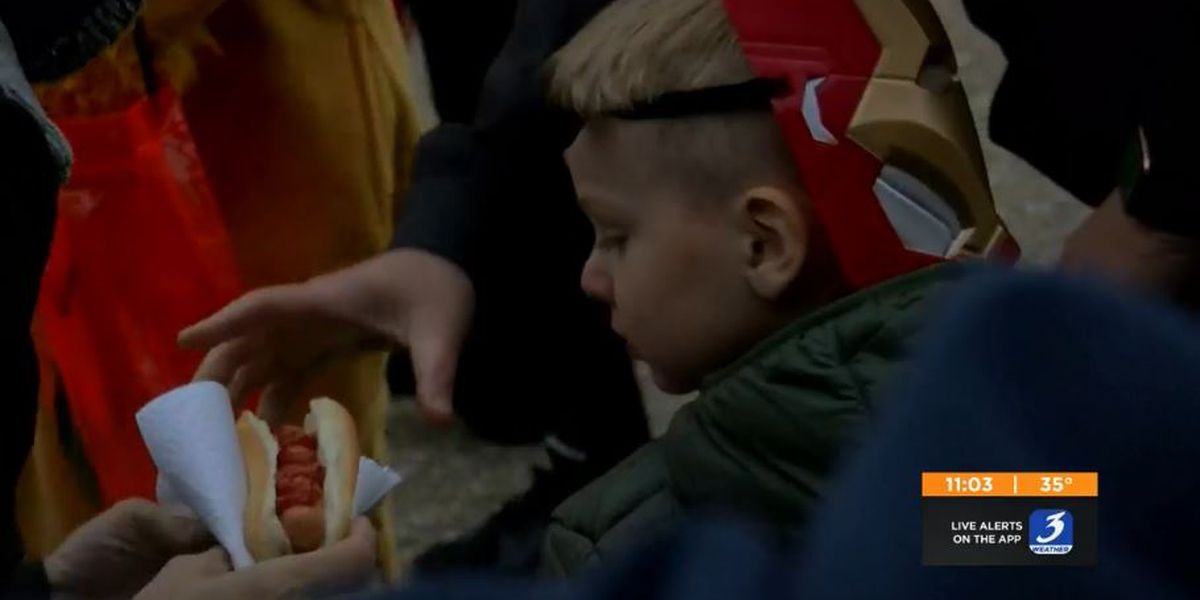 Louisville family hands out 200 hot dogs every Halloween for neighbors