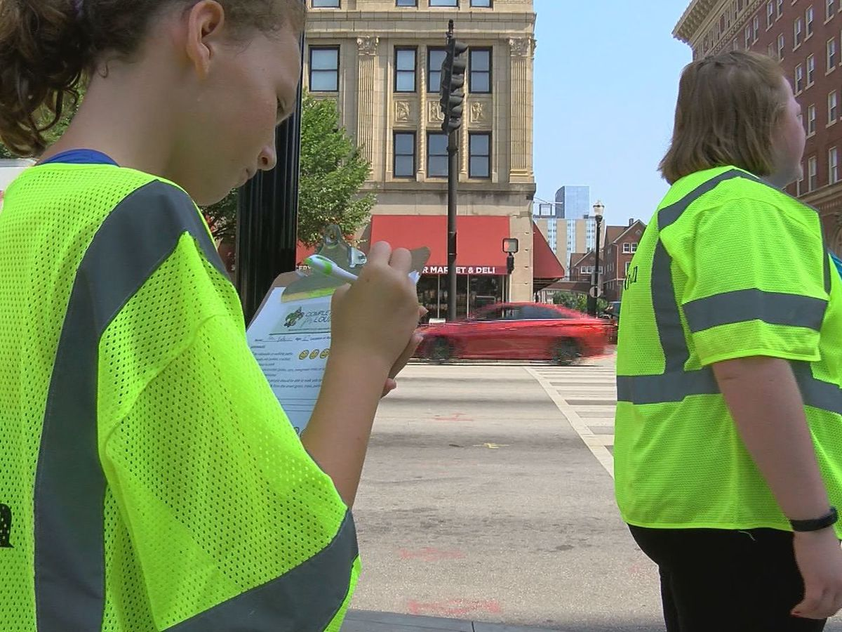 Volunteers examine safety, accessibility of Louisville streets