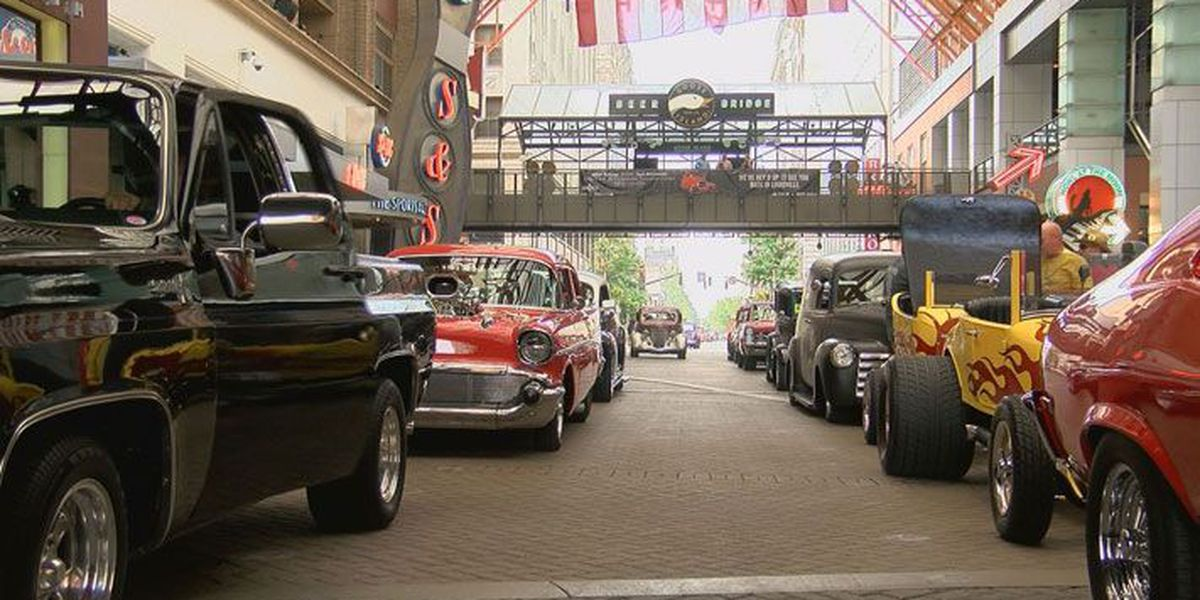 Downtown parade welcomes Street Rod Nationals to Louisville