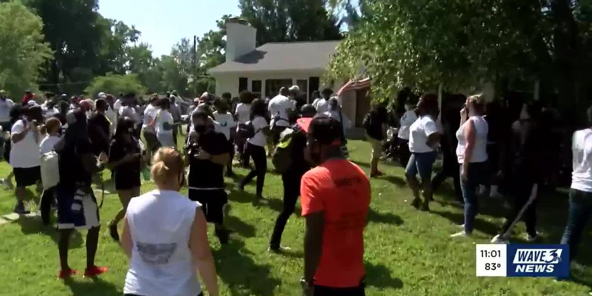 AG Daniel Cameron: 'Not acceptable' for protesters to stage demonstration in his yard