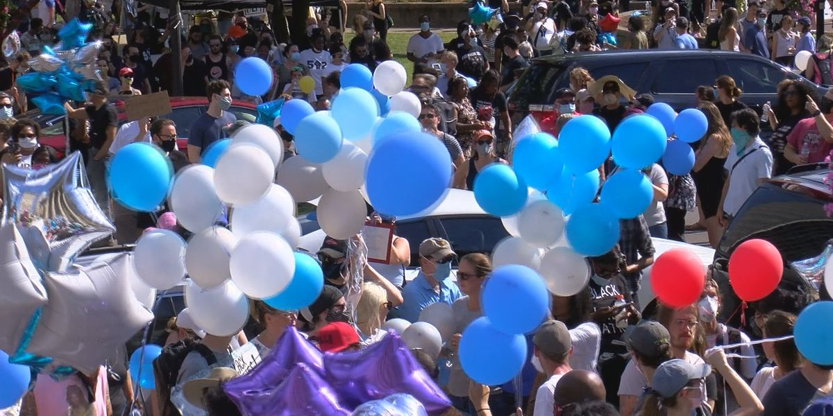 Thousands attend vigil and balloon release in Breonna Taylor's memory