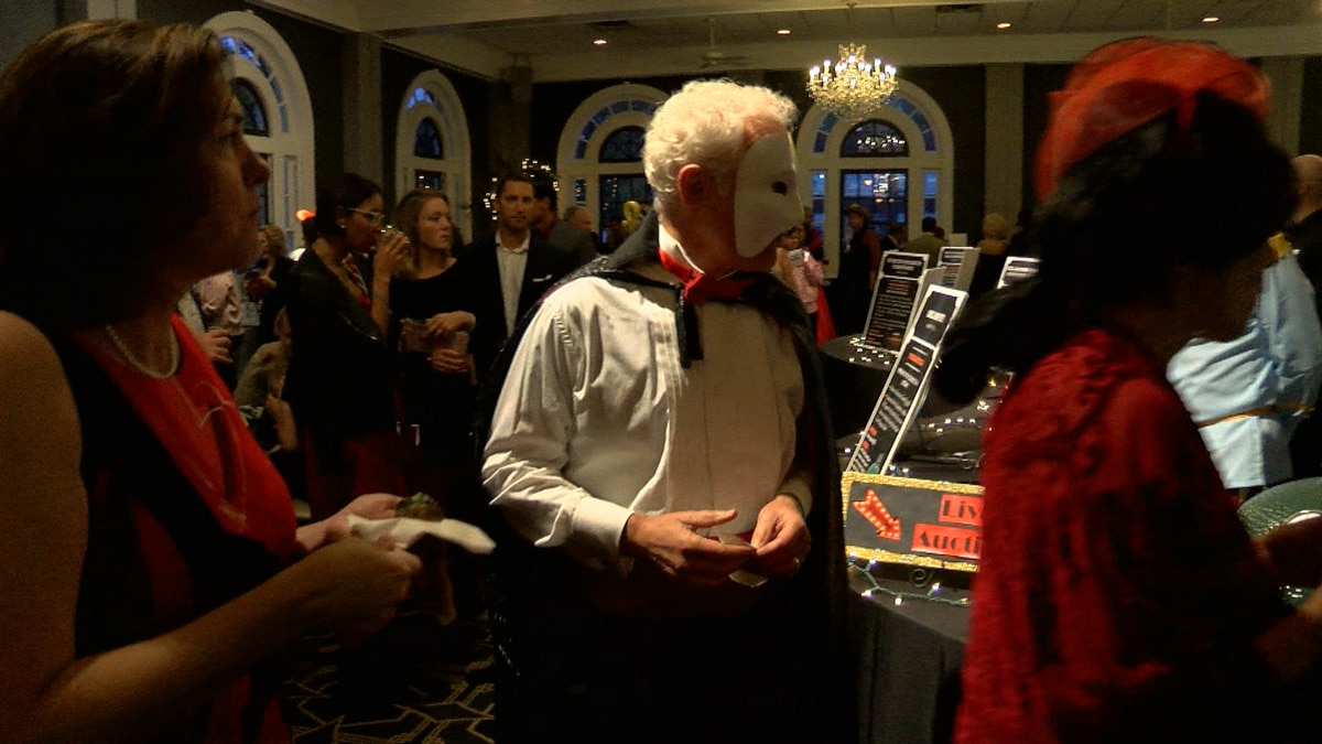 Halloween bash brings 'Breath of Fresh Air' supporting American Lung Association