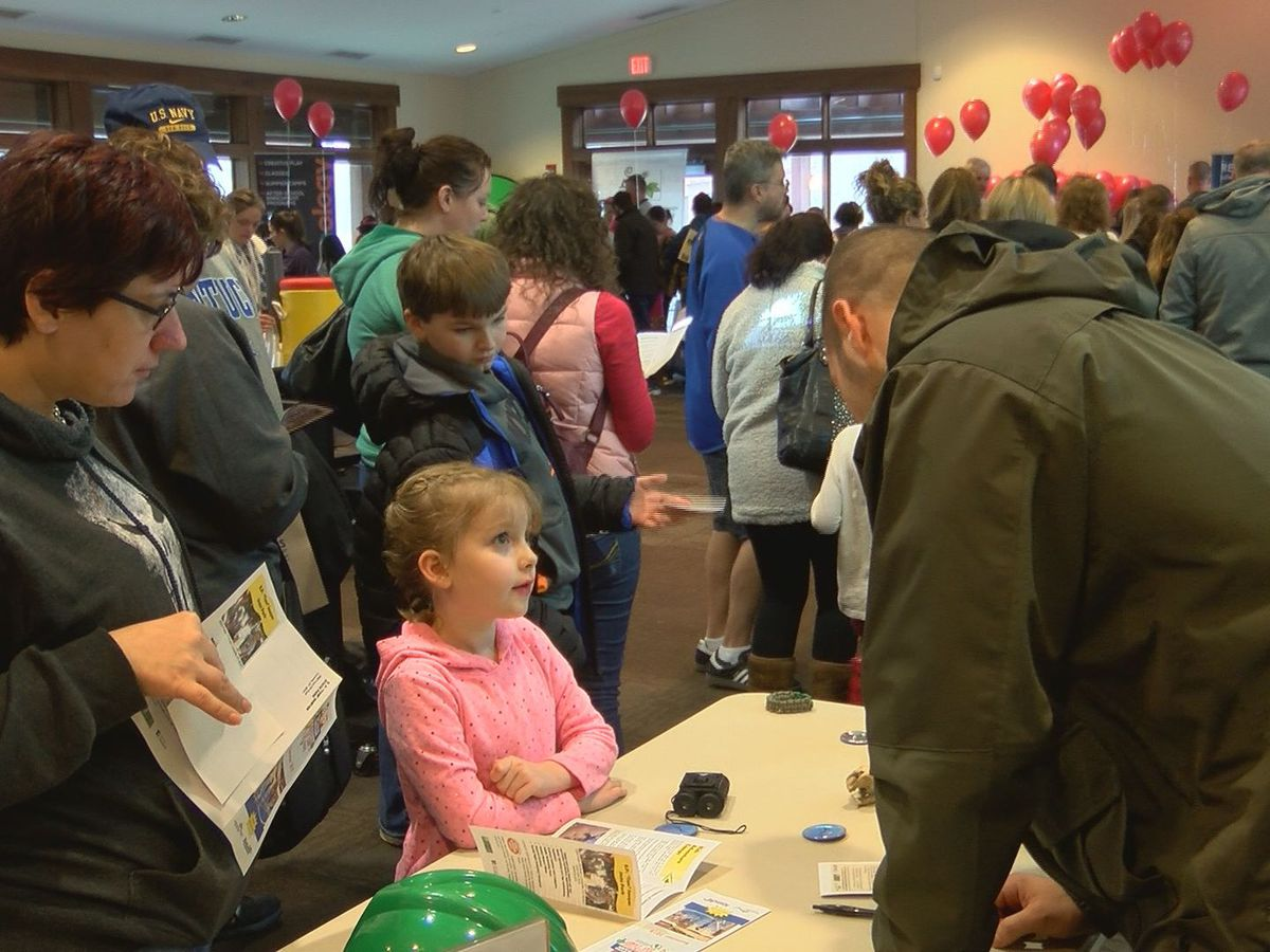 Parents, kids warm up with Louisville summer camp fair