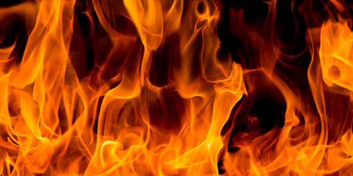 Home catches on fire in Floyd County