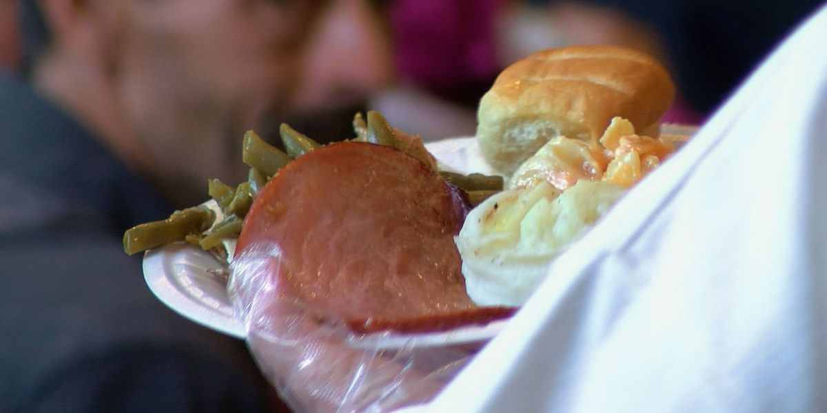 Volunteers serve hot meal for homeless in southern Indiana