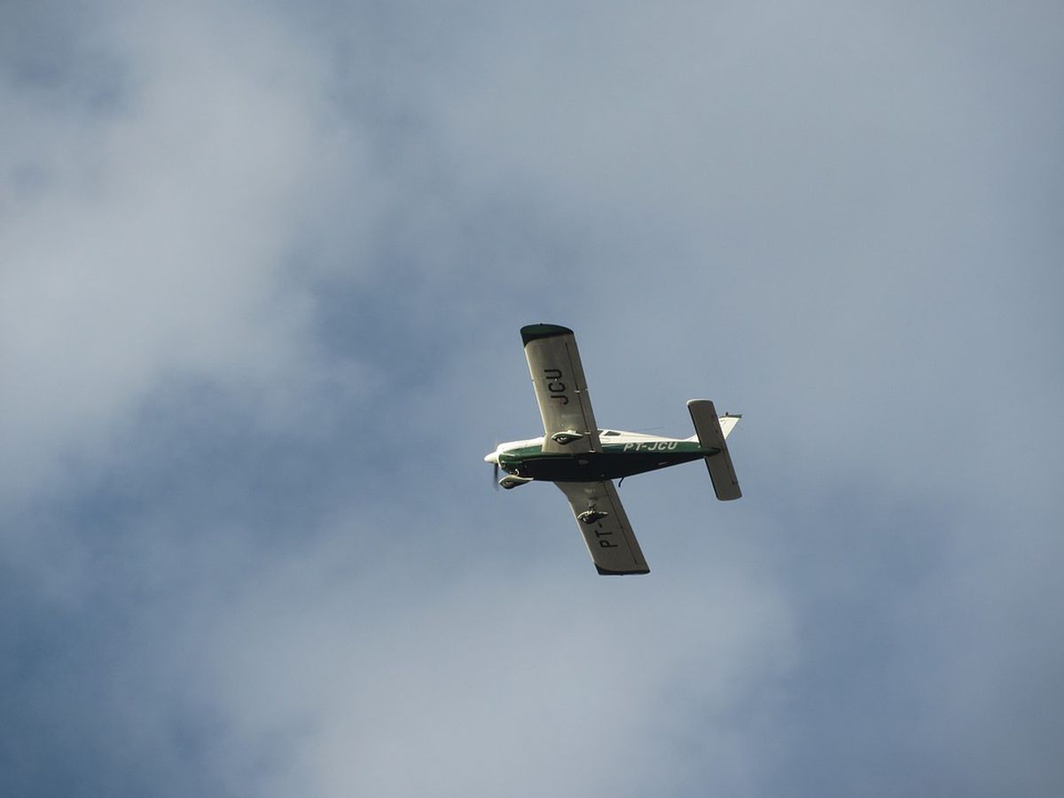 Pilot, passenger walk away unharmed in plane crash near French Lick Airport