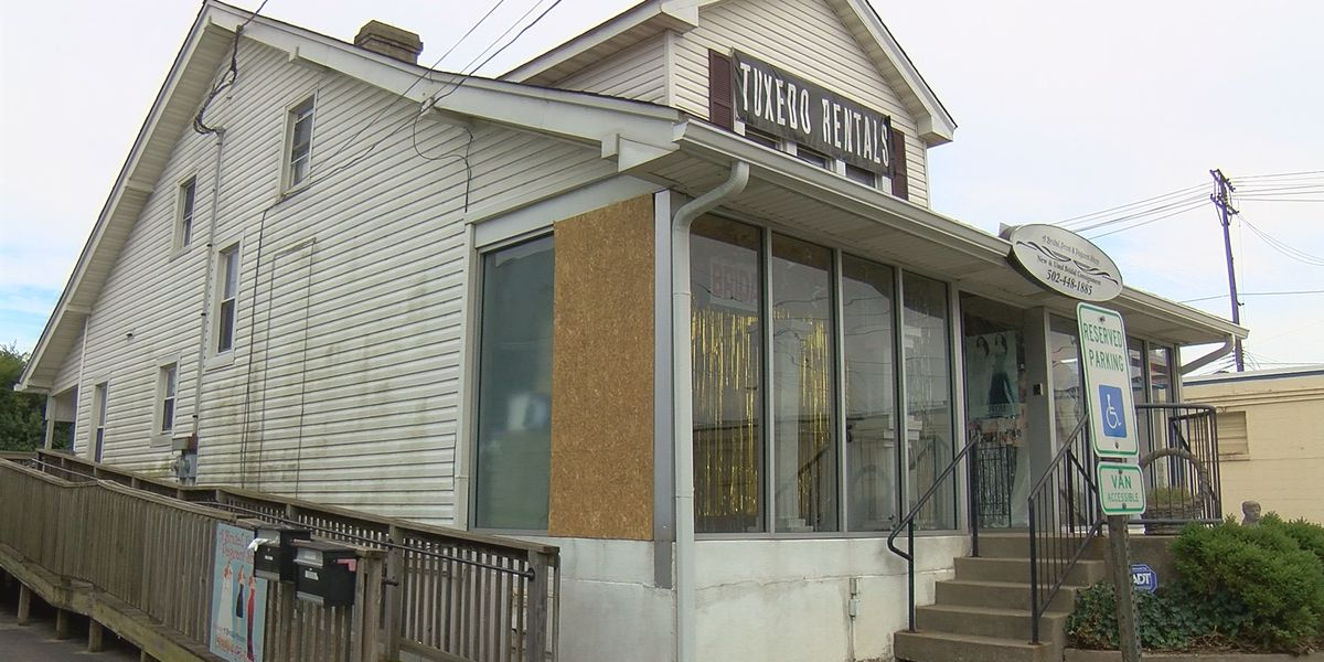 Nearby shooting rips through Shively bridal store