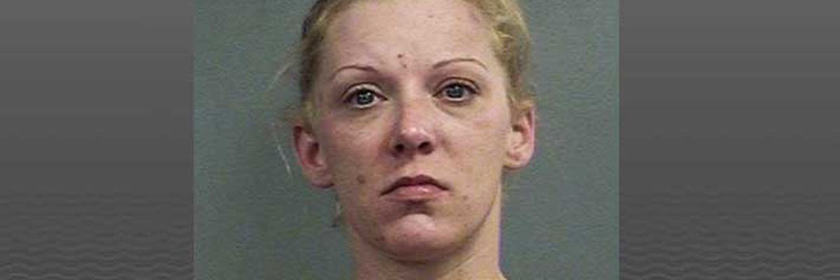 Louisville woman accused of fighting at Circle K, throwing concrete at witness