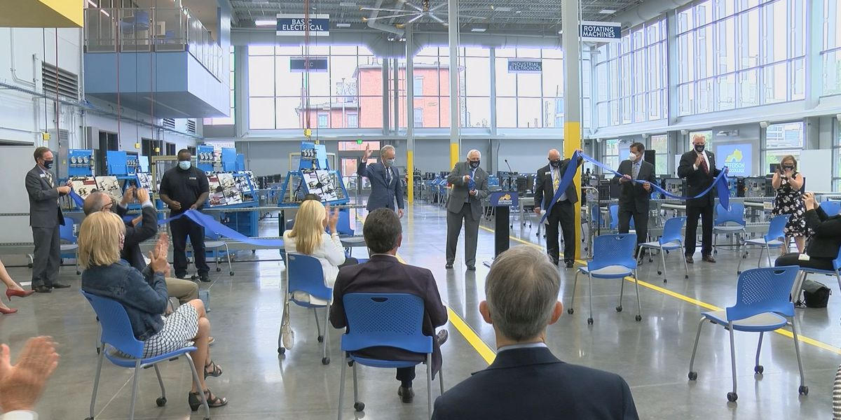 JCTC opens downtown facility for information technology and advanced manufacturing