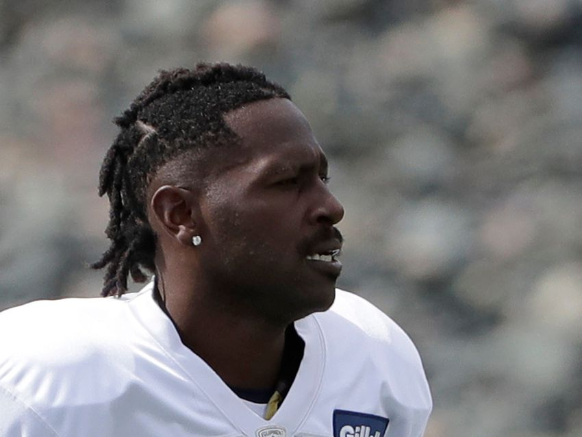 In cryptic tweet, Antonio Brown appears to retire from NFL