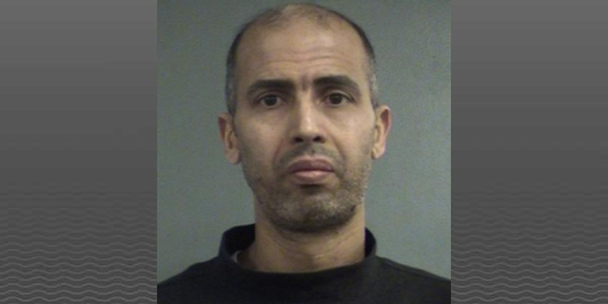 Man arrested after victim stabbed in neck at Jefferson Mall