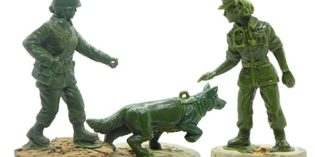 Green plastic Army women figurines to hit store shelves in time for the holidays