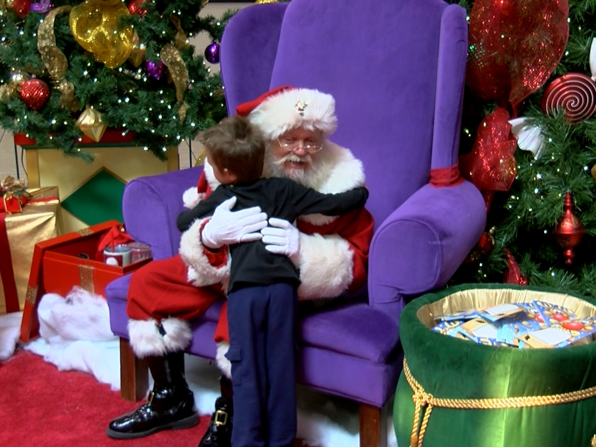 Santa's Workshop now open at Jefferson Mall