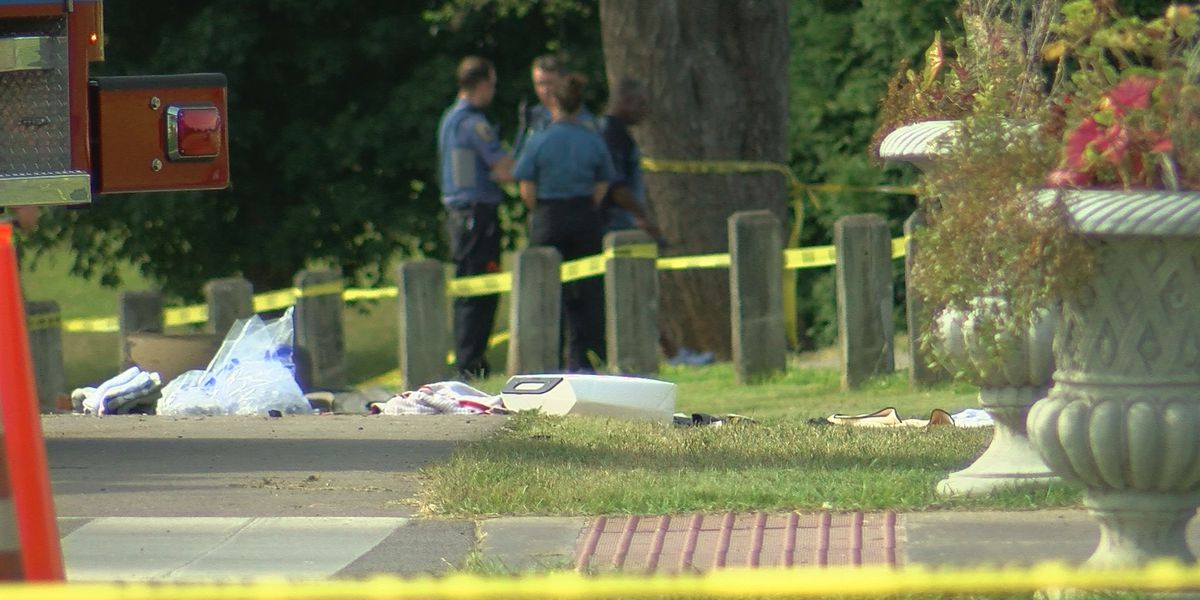 Man killed, another injured when accused impaired driver hits golf cart in Seneca Park