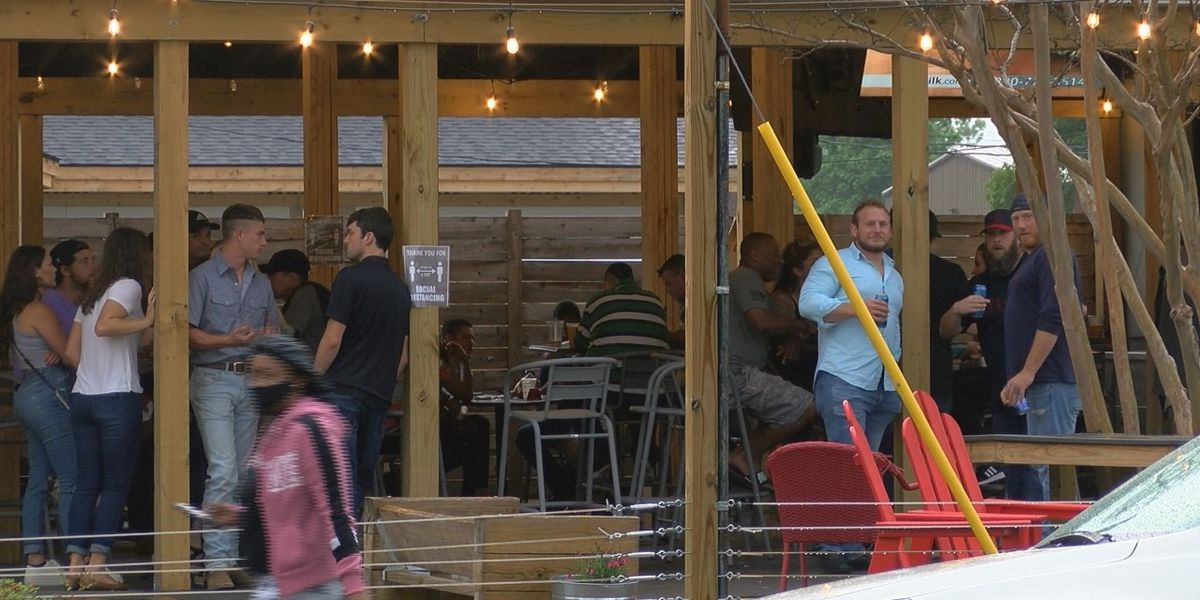 Ind. restaurants hoping for busy first weekend at 50 percent capacity