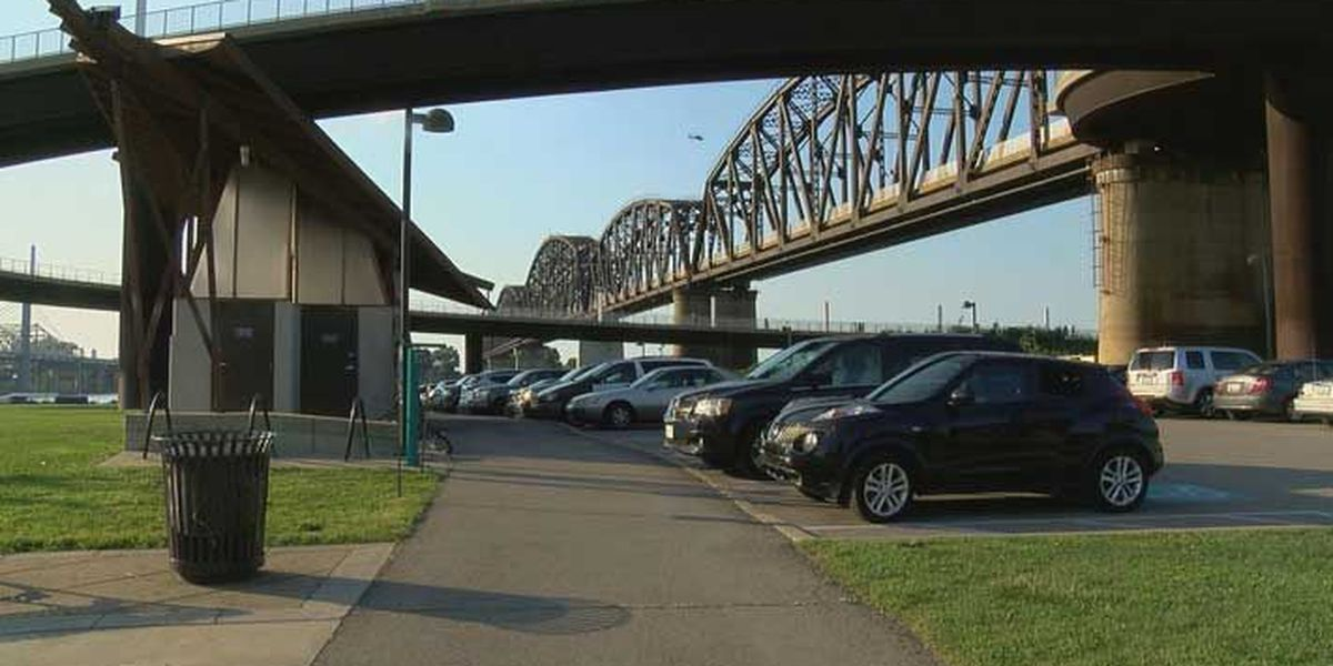 Waterfront Park officials push for parking fee