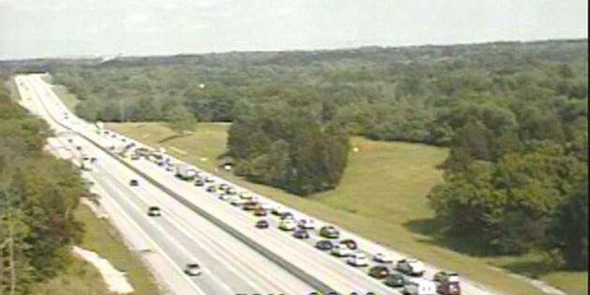 Eastbound lanes of I-64 shut down due to wreck