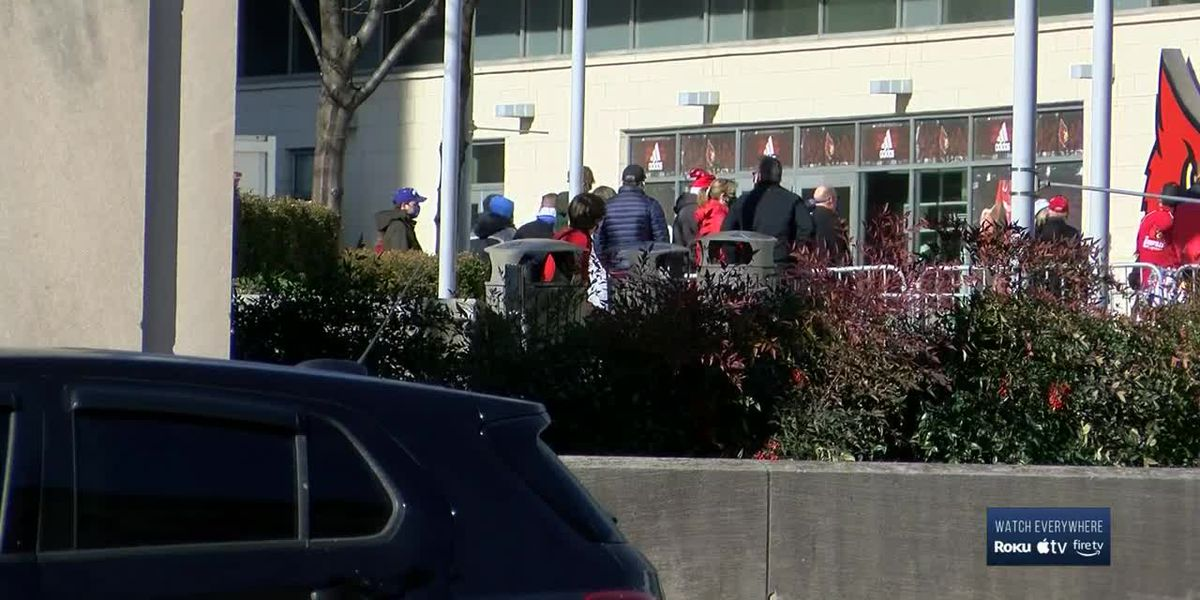Thousands head to downtown businesses to watch UofL vs. UK game