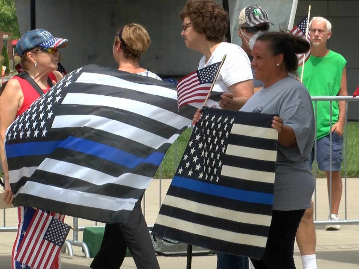 Back the Blue Rally in Jeffersonville brings patriotic crowd