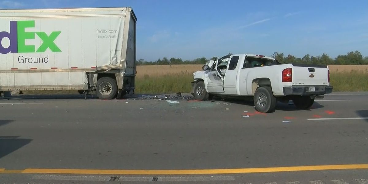 2 fatal crashes shut down I-65S in Hardin County