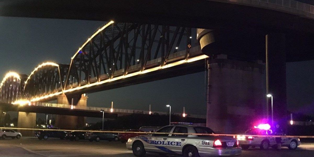 At least 3 shot; 1 dead at Waterfront Park