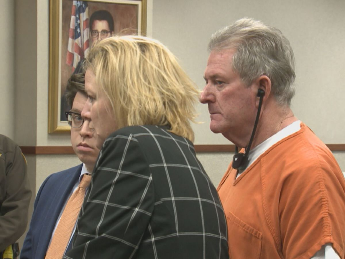 MSD driver arraigned, pleads not guilty in LMPD detective's murder
