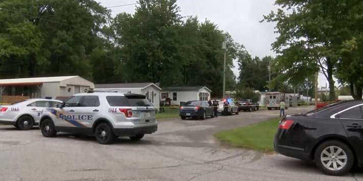 2 found dead in mobile home park