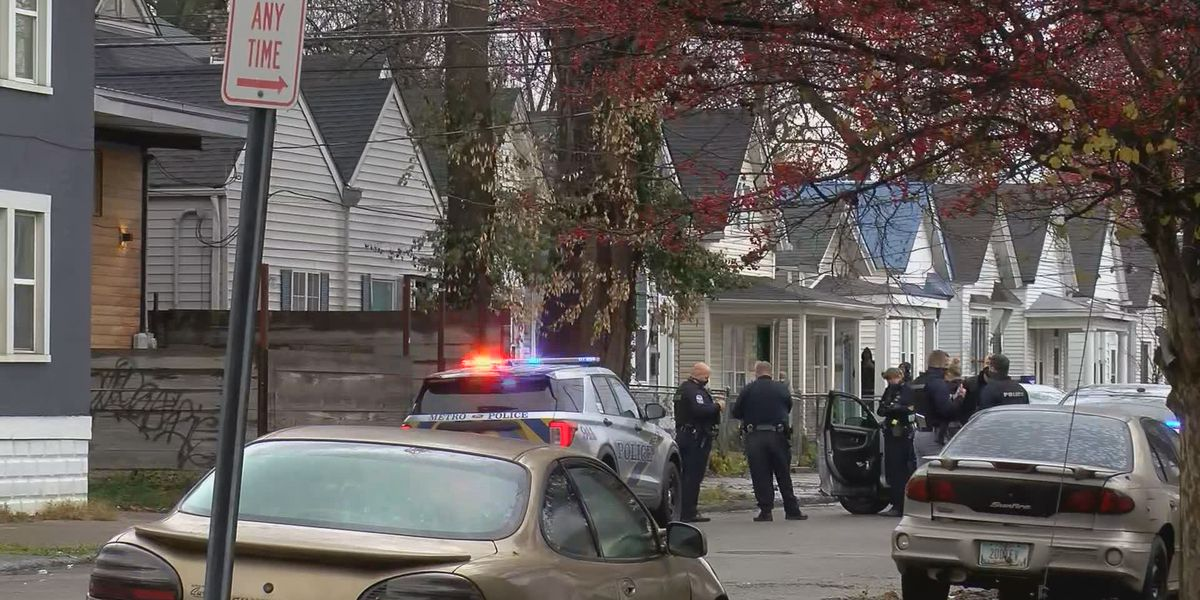 Teenager wounded in Shelby Park neighborhood shooting