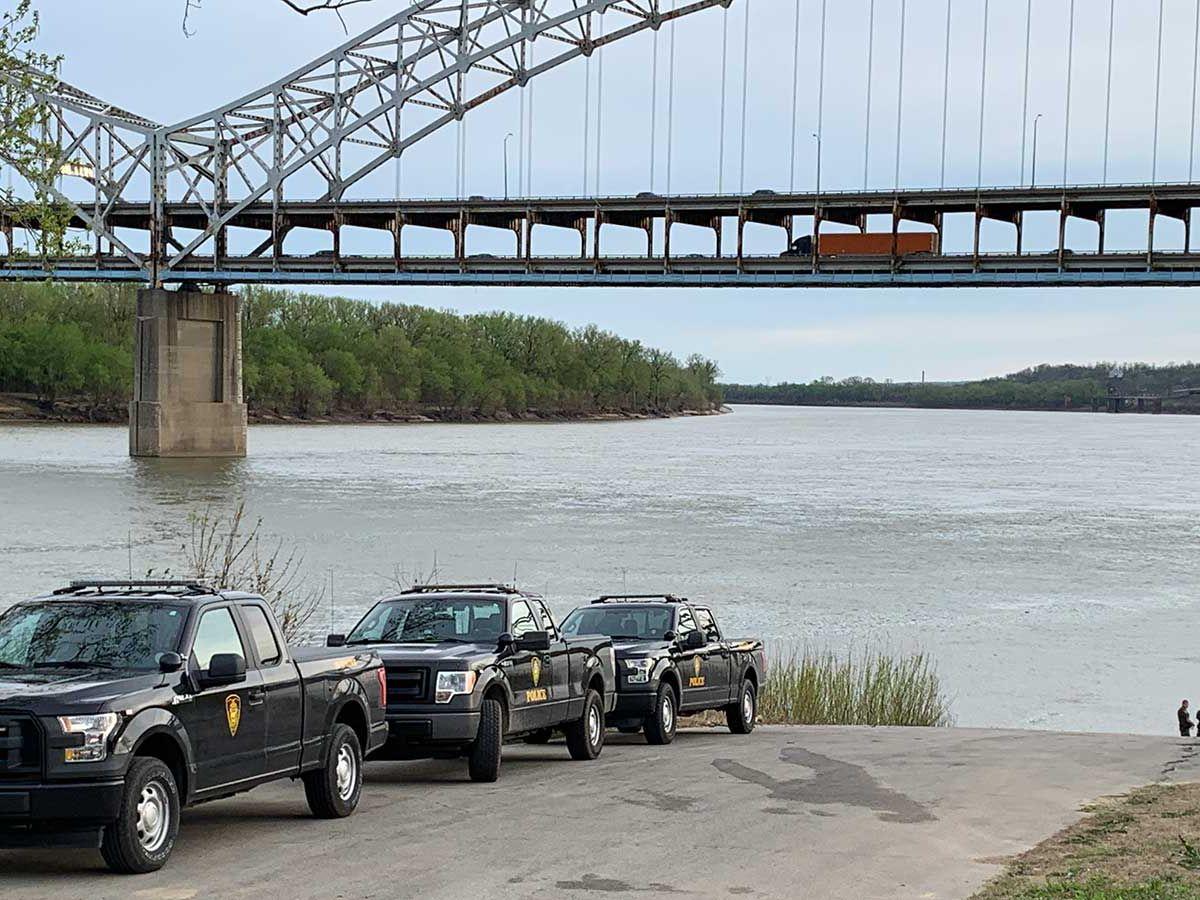 Officials find man's body in Ohio River near Silver Creek