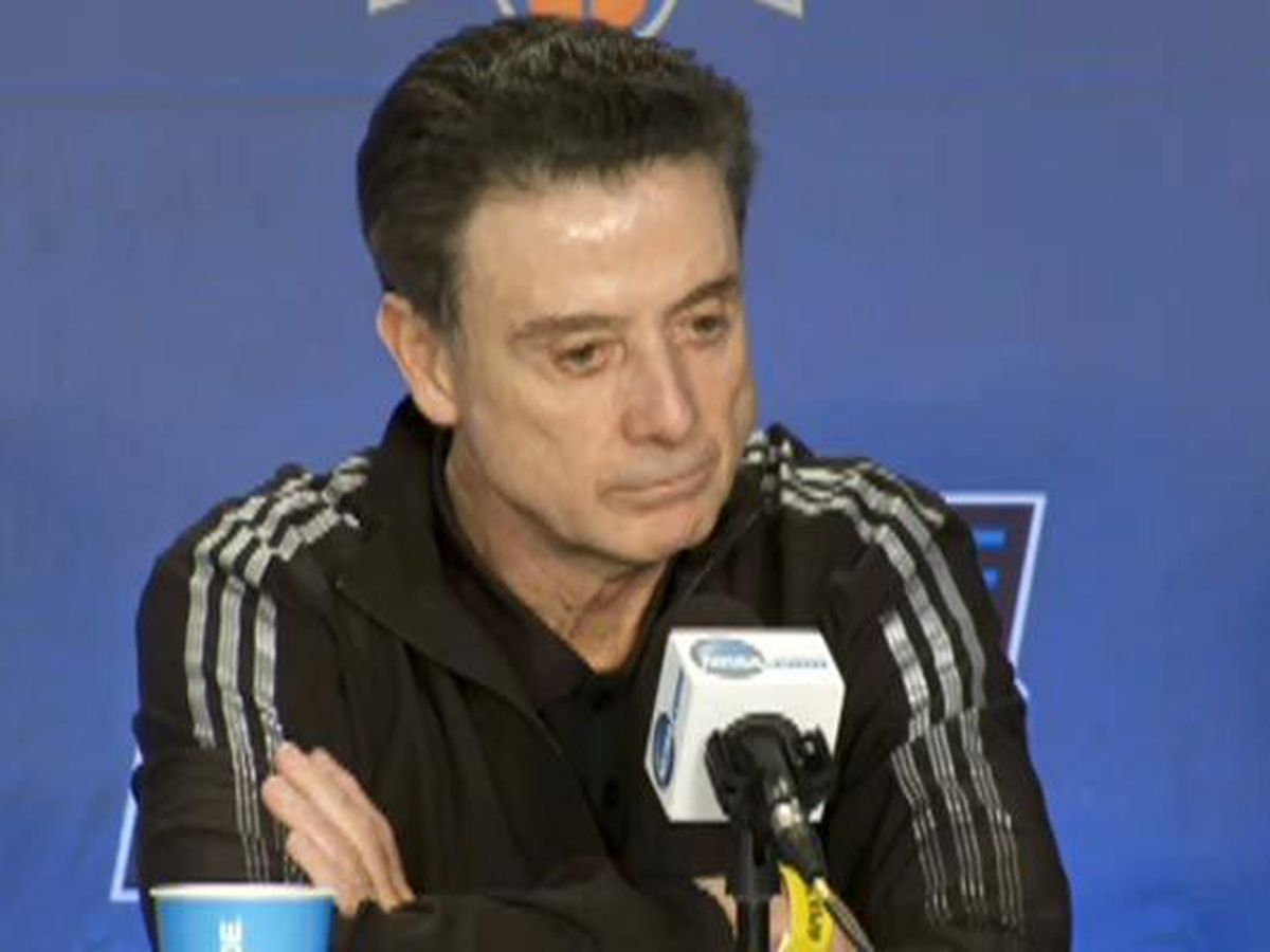 Pitino says he will return home from Greece