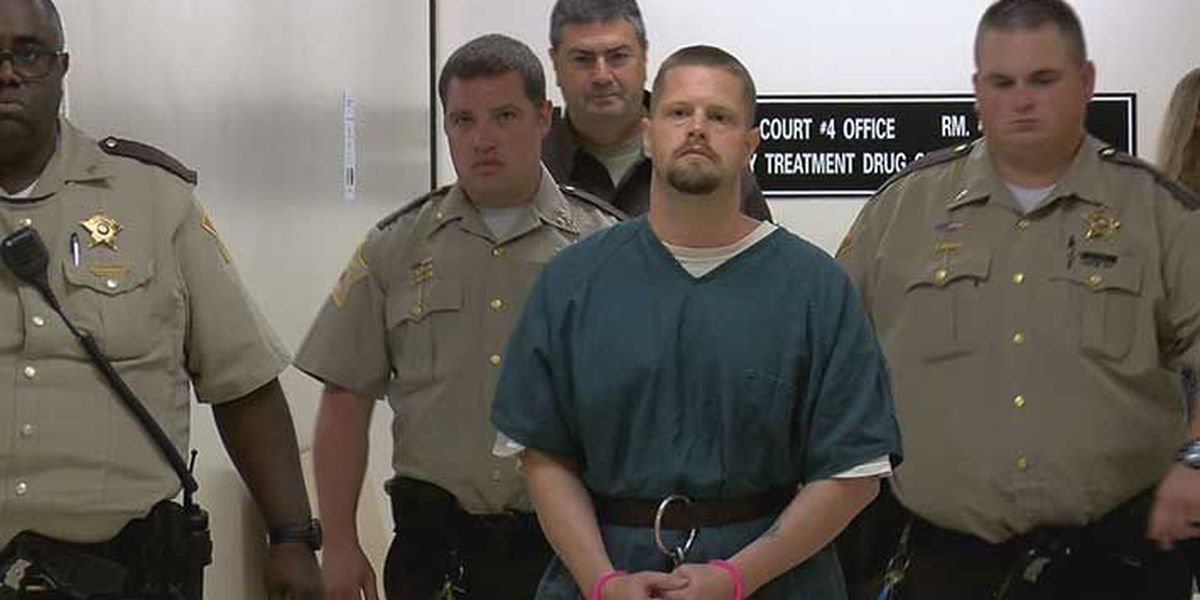 Man accused of killing girlfriend, eating parts of her body returns to court