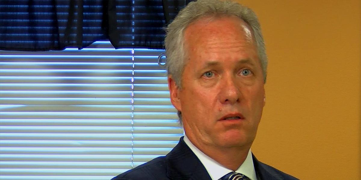 Metro Council passes vote of no-confidence in Mayor Greg Fischer 22-4