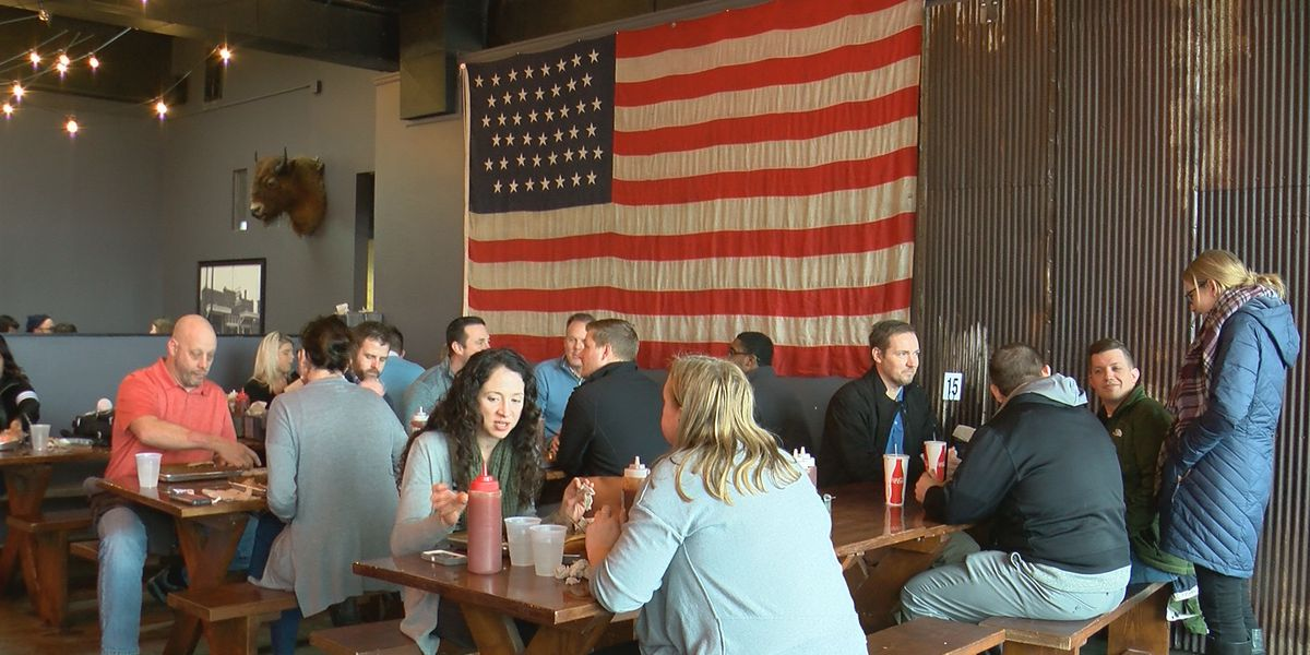 As uncertainty continues for government employees, local restaurants step up