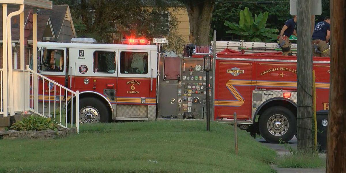 1 dead in Chickasaw neighborhood house fire