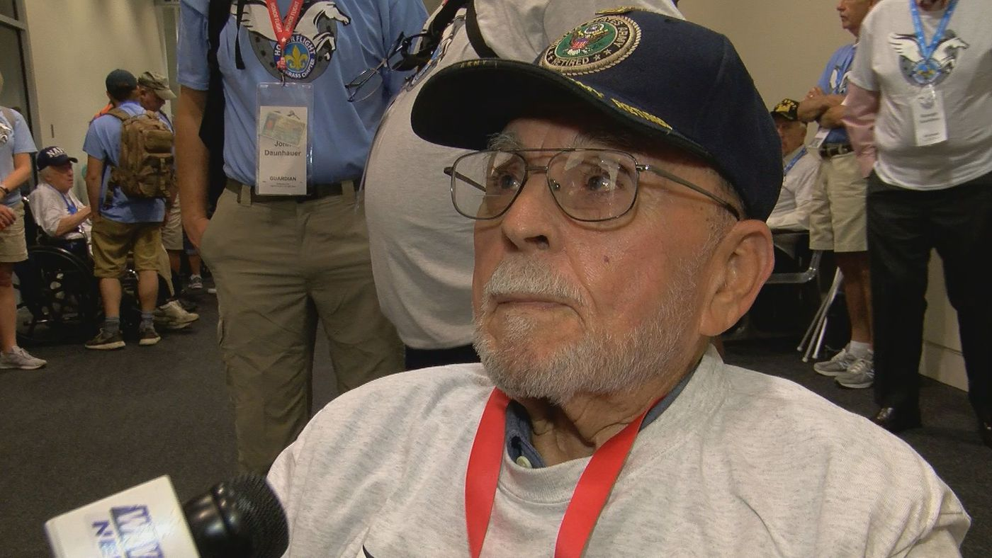 WAVE Country veterans make Honor Flight