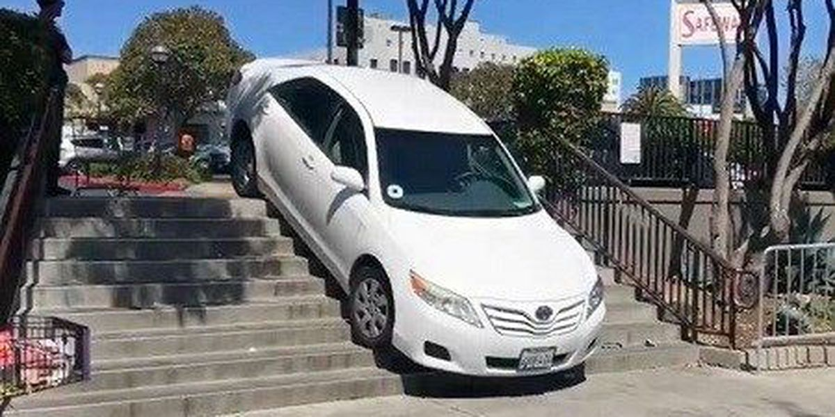 Uber driver gets stuck on staircase