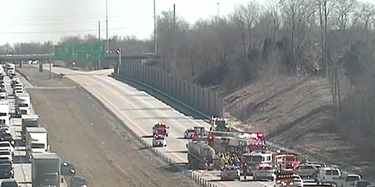 Traffic Alert: 'Serious crash' shuts down I-71 N near I-265