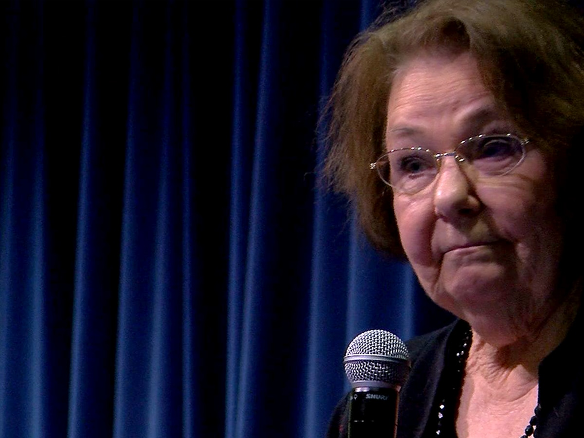Holocaust survivor recounts living in concentration camp, moving to America at Christian Academy