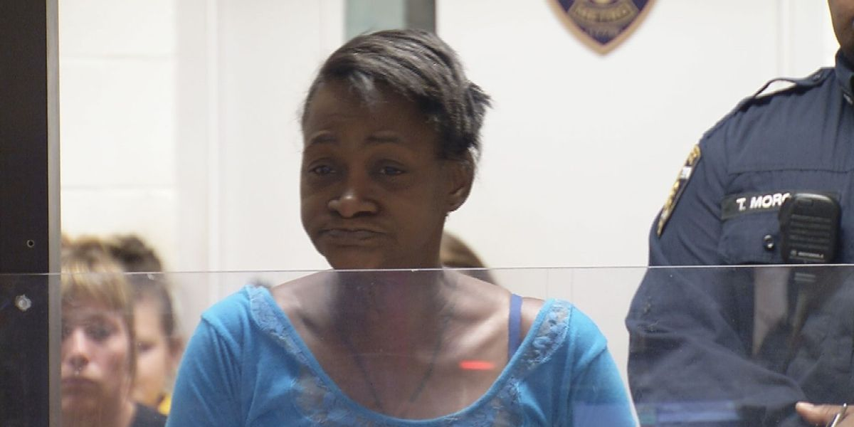 Woman accused of stabbing man 3 times during argument