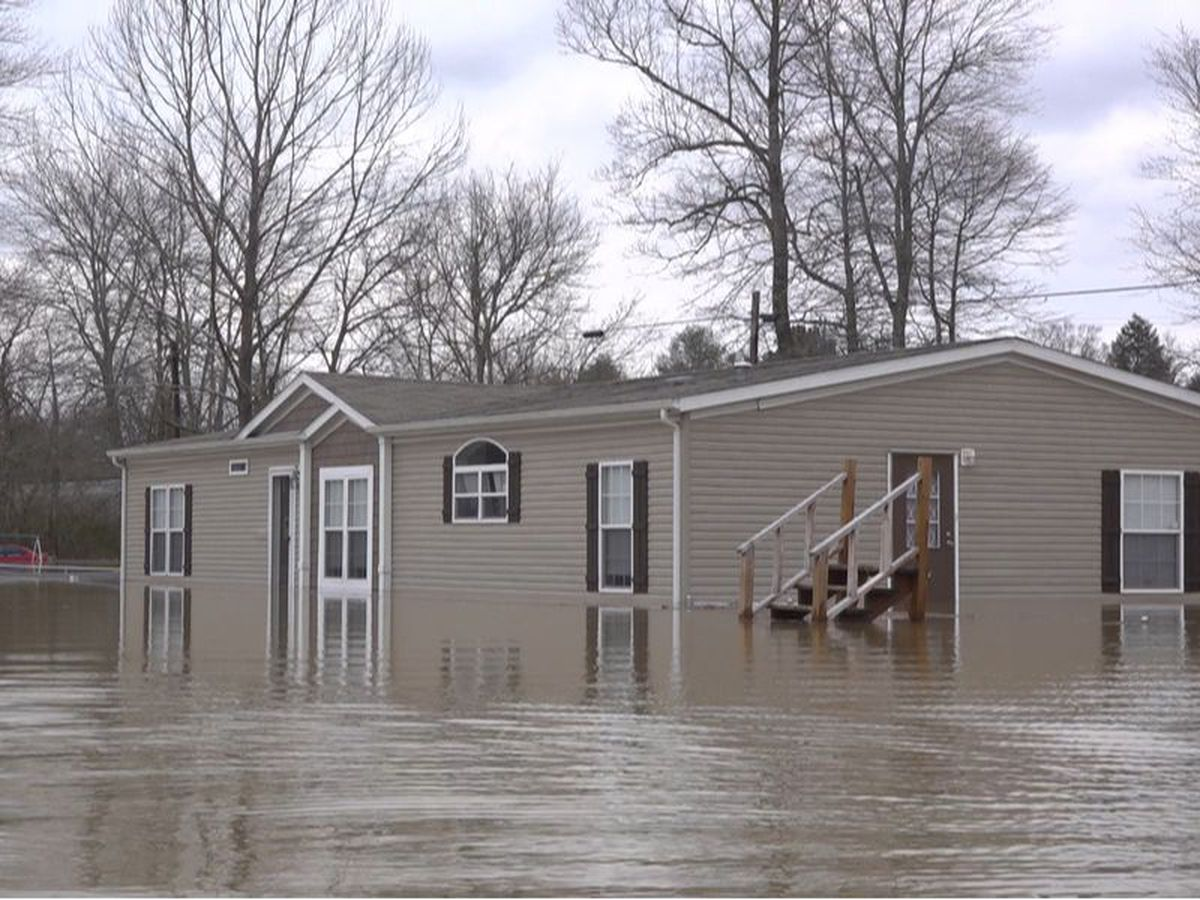 'I sat in the flood waters and just cried': Homes and cars destroyed by flooding in Laurel County