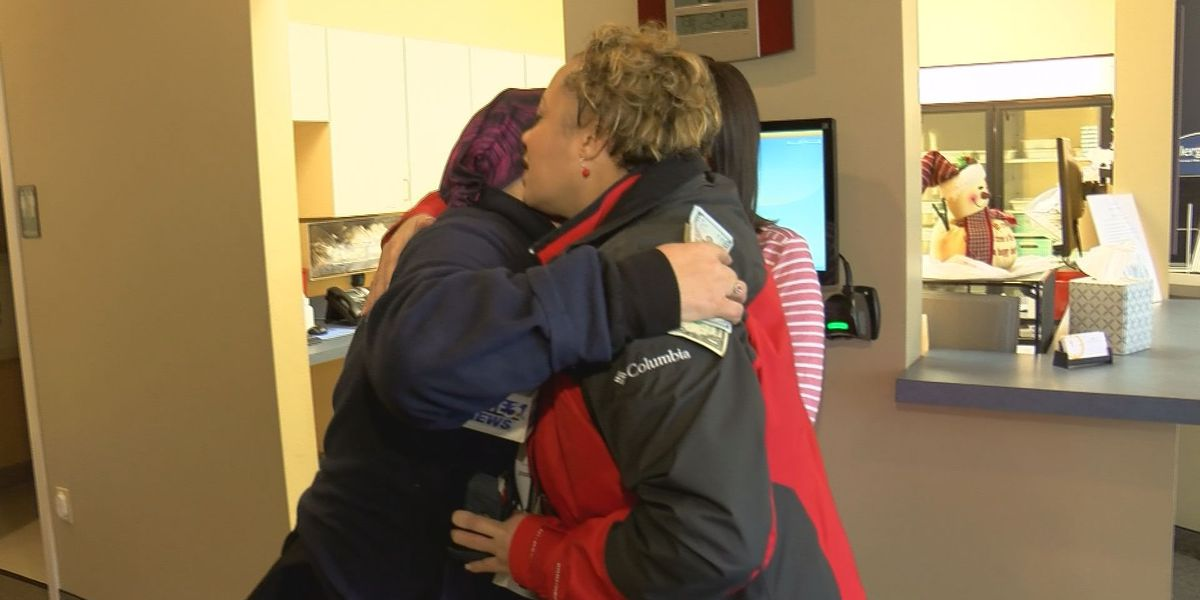 Pass the Cash: Single mom with cancer working through chemo gets support